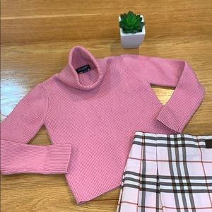 Burberry 🌸 Turtleneck Sweater Size 5